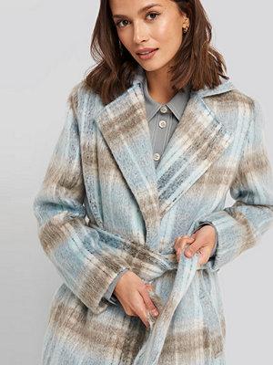 NA-KD Trend Blue Checked Coat blå