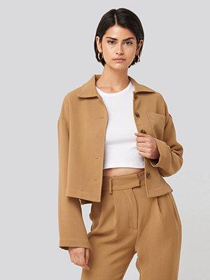 NA-KD Classic Short Pocket Overshirt beige