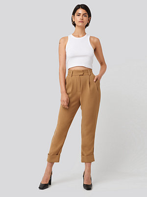 NA-KD Classic omönstrade byxor Folded Cigarette Suit Pants beige