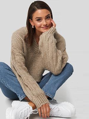 Gerda x NA-KD Bulky Sleeve Heavy Knit Sweater beige