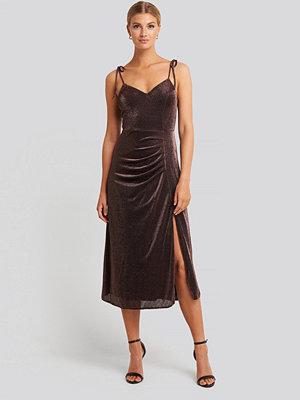 Trendyol Side Slit Luminous Midi Dress brun