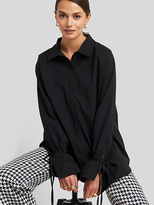 NA-KD Tie Sleeve Shirt svart