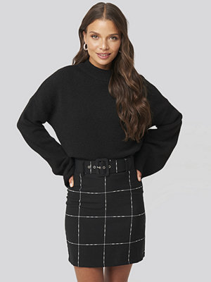 Trendyol Black Check Belted Mini Skirt svart