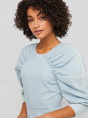 NA-KD Puff Sleeve Round Neck Mini Dress blå