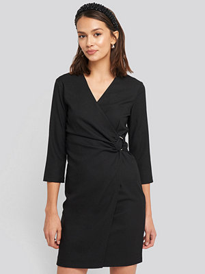 Trendyol Buckle Detailed Mini Dress svart