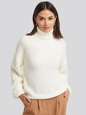 NA-KD Trend Sleeve Detailed Knitted Polo Sweater vit