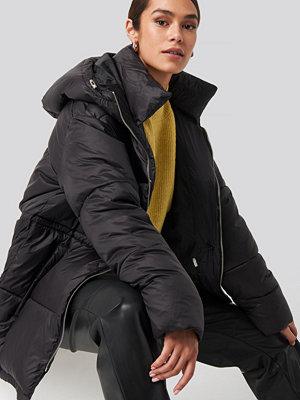 NA-KD Trend Drawstring Padded Jacket svart