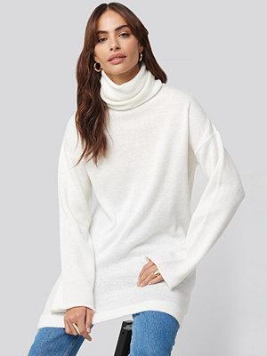 Hannalicious x NA-KD Oversized Polo Knitted Long Sweater vit