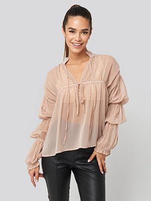 NA-KD Trend Puffy Sleeve Draped Chiffon Blouse rosa