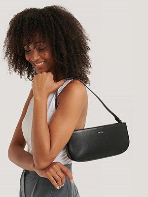 NA-KD Accessories Baguette Bag svart axelväska