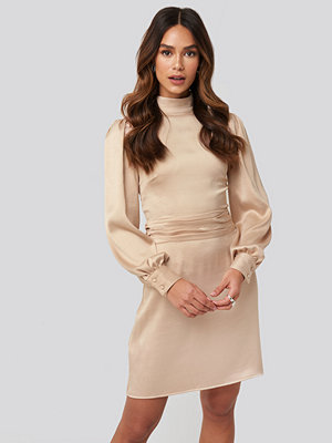 NA-KD Trend High Neck Satin Dress beige