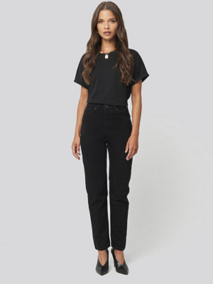Trendyol Basic High Waist Mom Jeans svart