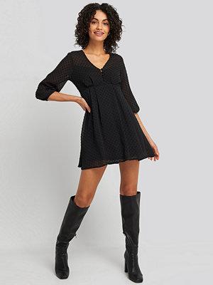 NA-KD Dobby Spot Mini Dress svart