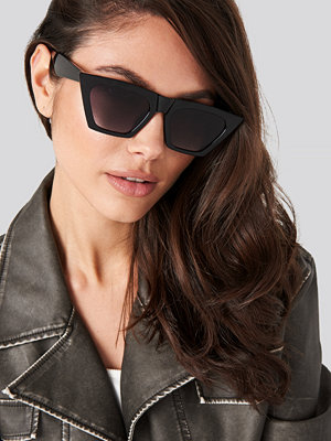 NA-KD Accessories Pointy Cat Eye Sunglasses svart