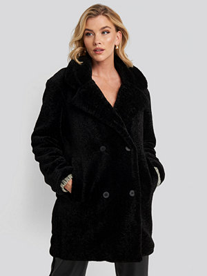 NA-KD Trend Long Teddy Coat svart