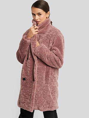 NA-KD Long Teddy Coat rosa