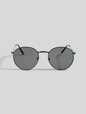 Solglasögon - NA-KD Accessories Round Metal Sunglasses svart