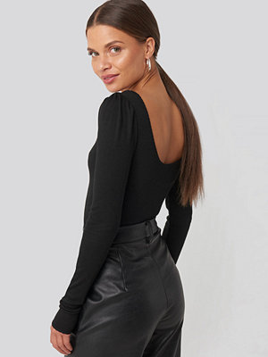 NA-KD Puff Sleeve Deep Back Top svart