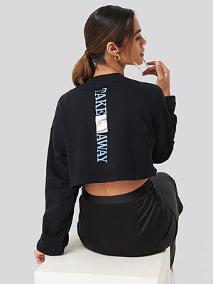 Queen of Jetlags x NA-KD Take Away Sweater svart