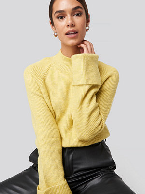 Trendyol Handle Curved Knitted Sweater gul