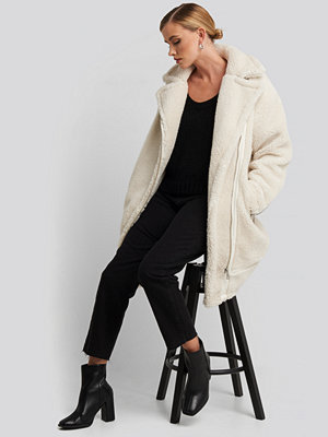NA-KD Biker Long Teddy Coat vit