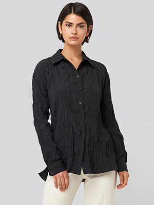 NA-KD Classic Creased Effect Blouse svart