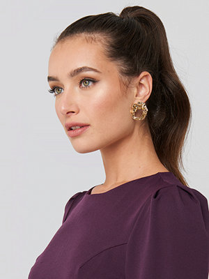 NA-KD Accessories smycke Smashed Hoop Earrings guld
