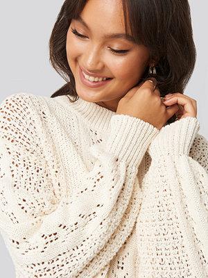 NA-KD Round Neck Pointelle Sweater vit