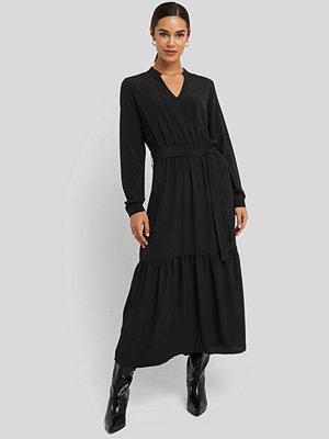 Sisters Point Egum Maxi Dress svart