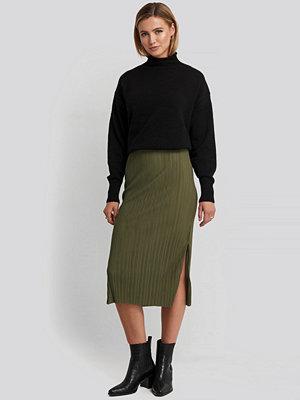 Trendyol Pilise Midi Skirt grön