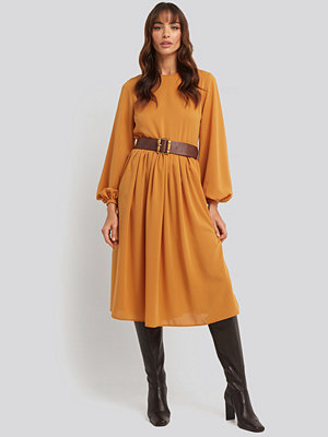 NA-KD Trend Pleat Skirt Chiffon Dress orange