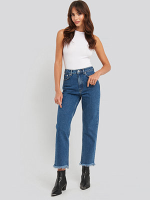 NA-KD Mid Rise Straight Jeans blå