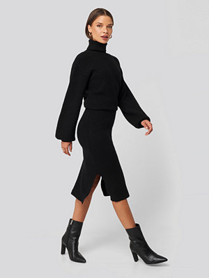 Donnaromina x NA-KD Ribbed Knit Midi Skirt svart