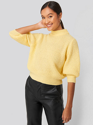 Statement by NA-KD Influencers Felicia Wedin Mid Sleeve Knitted Sweater gul