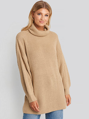 NA-KD Oversized High Neck Long Knitted sweater beige