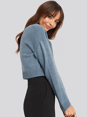 NA-KD Cropped Round Neck Knitted Sweater blå