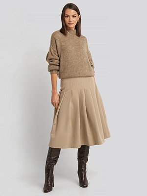 NA-KD Classic Tailored Pleated Midi Skirt beige