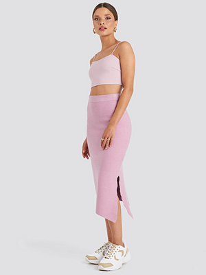 Emilie Briting x NA-KD Midi Knitted Skirt rosa