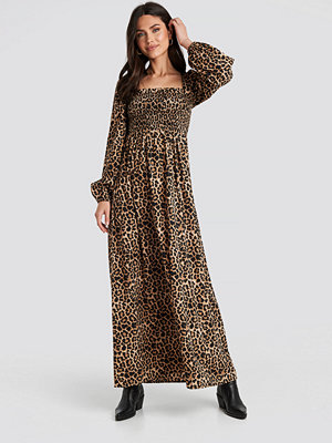 NA-KD Boho Square Neck Leo Maxi Dress brun beige /
