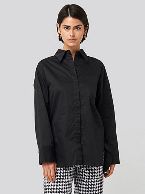 NA-KD Classic Oversized Cotton Pocket Shirt svart