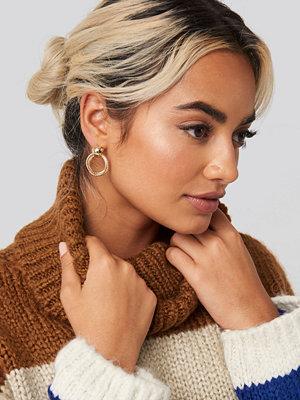 NA-KD Accessories smycke Hoop in Hoop Earrings guld