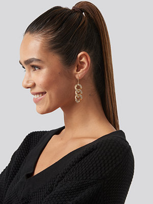 NA-KD Accessories smycke Strass Chain Earrings guld