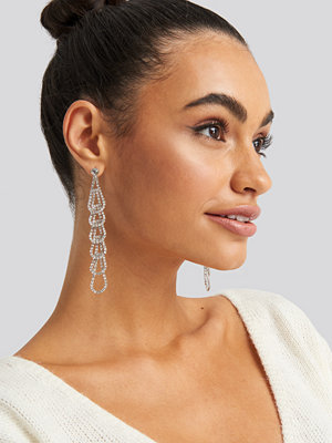 NA-KD Accessories smycke Rhinestone Connected Drops Earrings silver