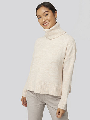 Trendyol Turtleneck Knitted Sweater vit
