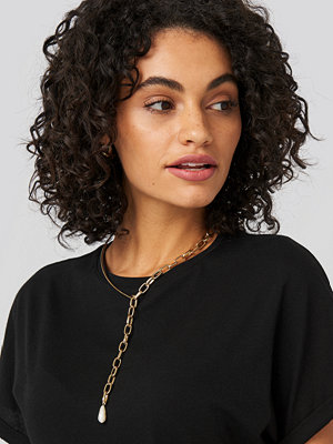 NA-KD Accessories smycke Vintage Pearl Chain Necklace guld