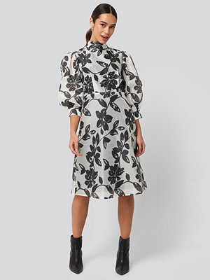 NA-KD Trend High Neck Puff Quarter Sleeve Dress multicolor