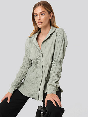 NA-KD Classic Creased Effect Blouse grön