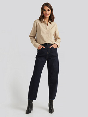 NA-KD High Waist Barrel Leg Jeans blå