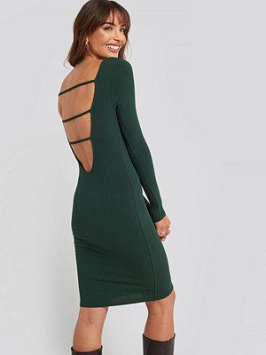 NA-KD Party Open Back Ribbed Mini Dress grön