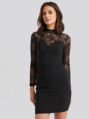 Trendyol Lace Detailed Mini Dress svart